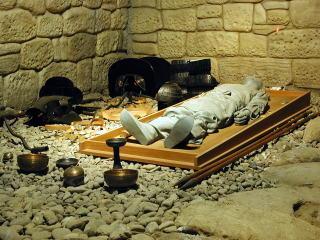 横穴石室の展示